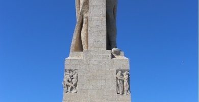 Monumento a la fe descubridora huelva