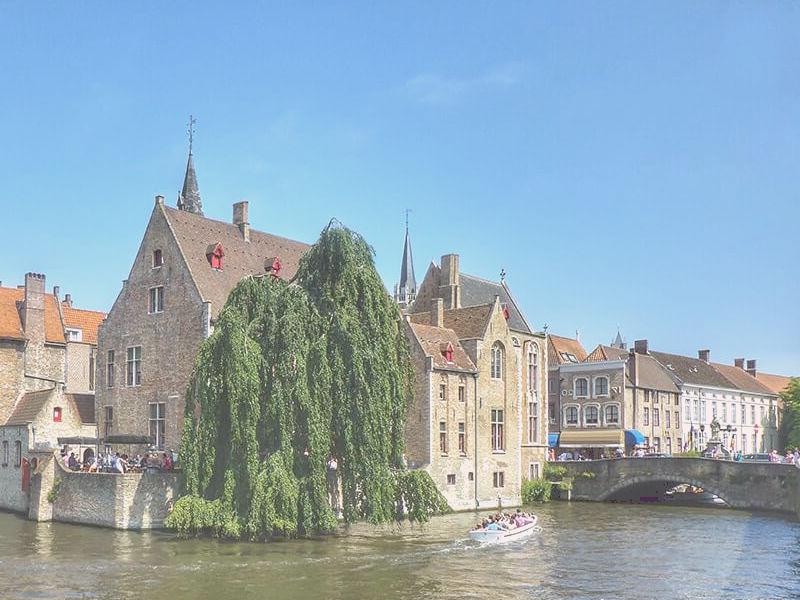 casco histórico centro de brujas