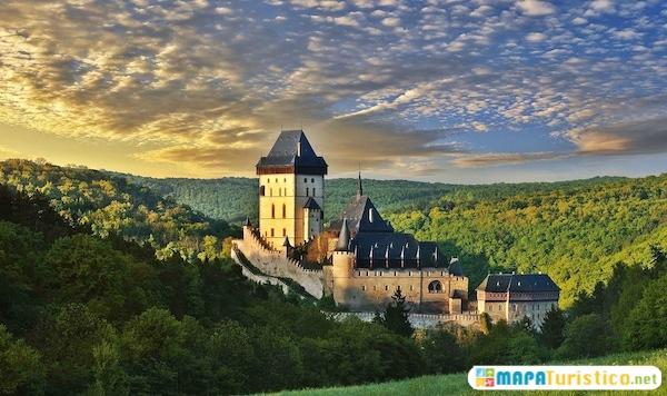 castillo medieval de karlstejn