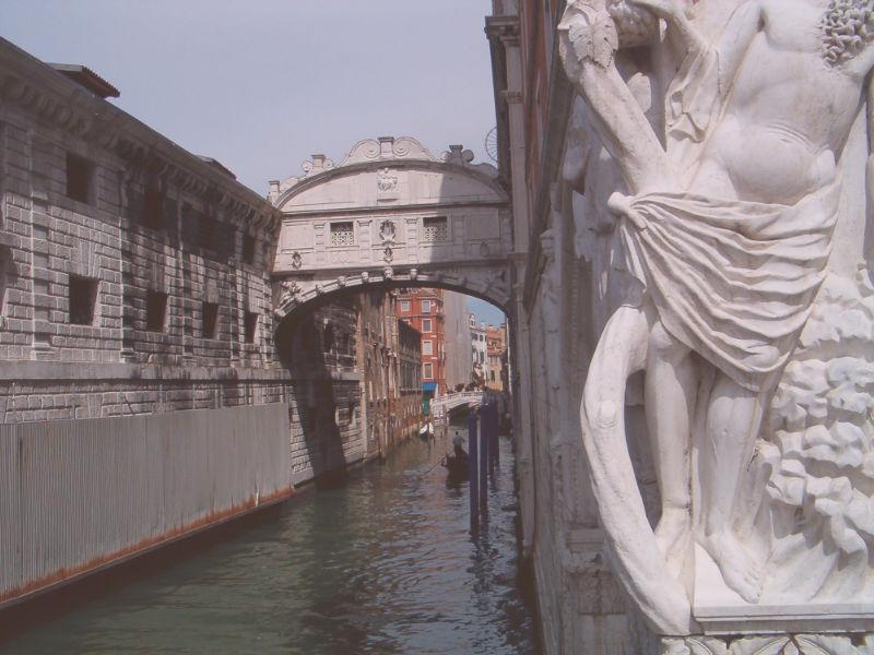 centro de venecia puente de lo suspiros