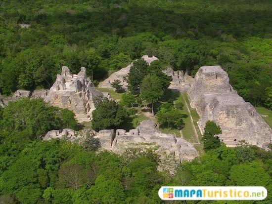 la zona arqueológica de becán 7