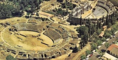 mapa turistico teatro y anfiteatro romano