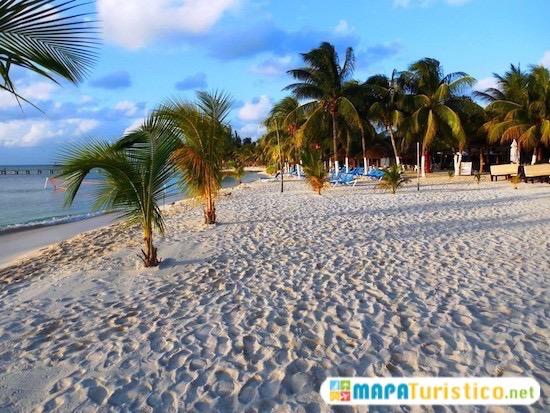 playa lancheros isla mujeres 5