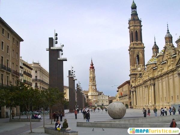 catedral y plaza de nuestra señora del pilar