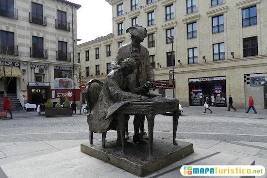 salamanca monumento churriguera y conde francos